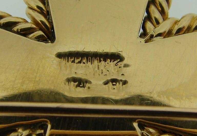 Tiffany & Co. Malachite Yellow Gold Maltese Cross Pin Brooch Clip For Sale 1