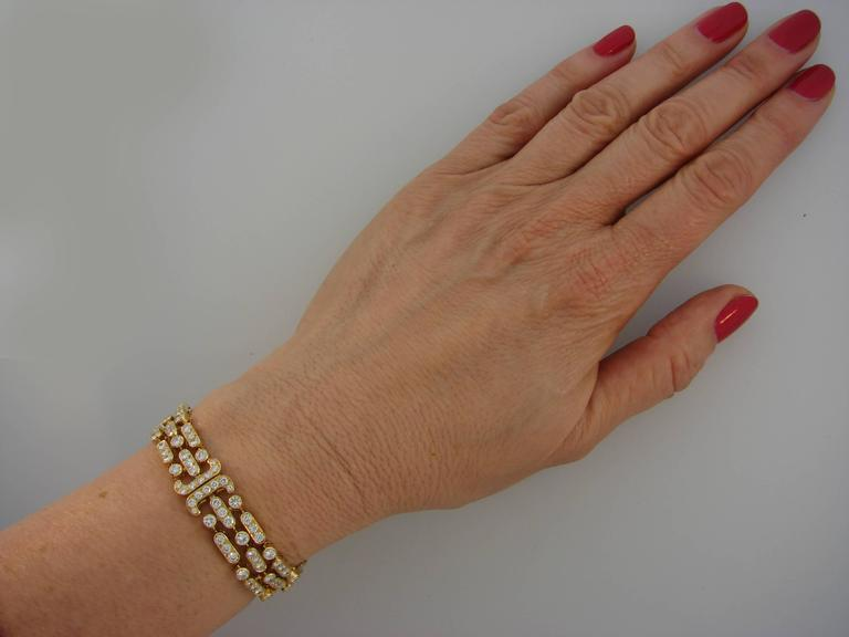 Van Cleef & Arpels Diamond Yellow Gold Bracelet In Excellent Condition For Sale In Beverly Hills, CA