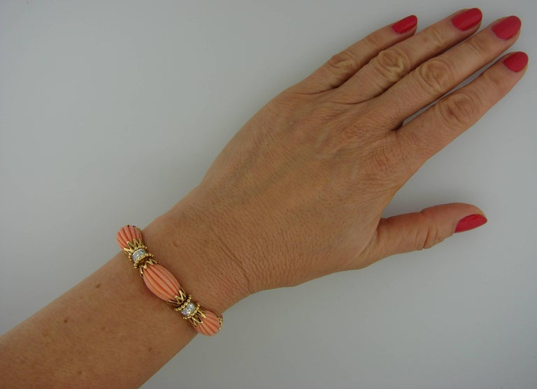 Vintage Van Cleef & Arpels Coral Diamond Yellow Gold Bracelet In Excellent Condition For Sale In Beverly Hills, CA