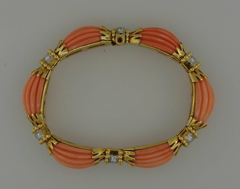 Women's Vintage Van Cleef & Arpels Coral Diamond Yellow Gold Bracelet For Sale