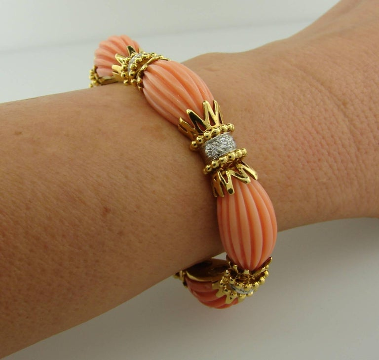 Vintage Van Cleef & Arpels Coral Diamond Yellow Gold Bracelet For Sale 4