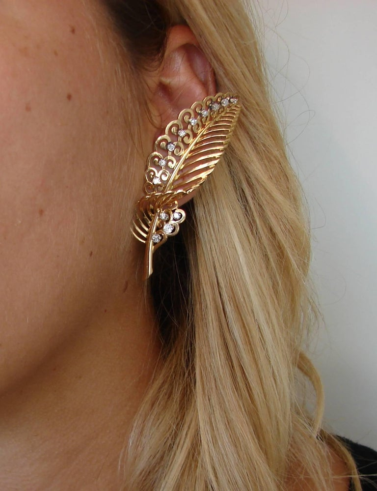 Diamond Yellow Gold Leaf Earrings In Excellent Condition For Sale In Beverly Hills, CA