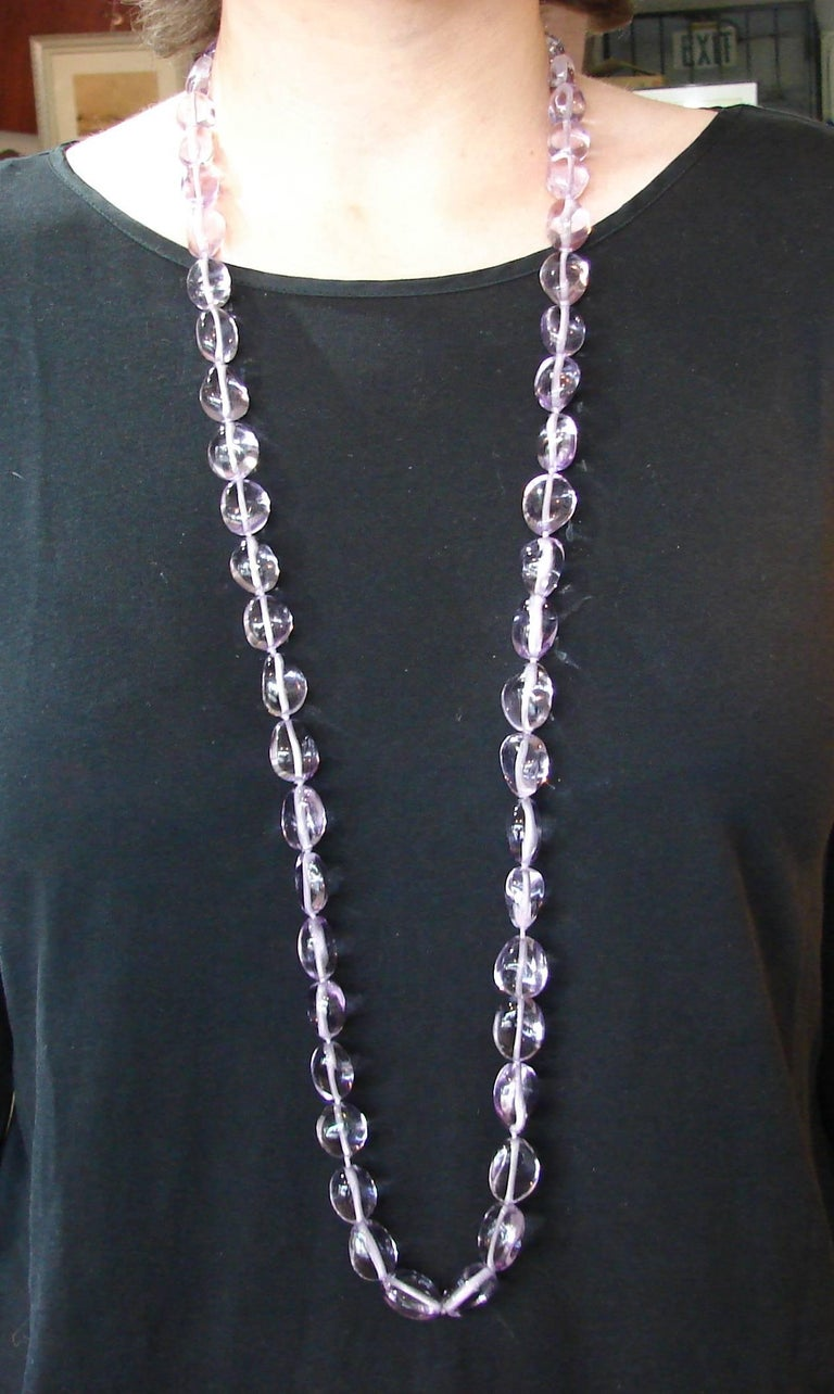 Verdura Amethyst Bead Strand Necklace with Yellow Gold Clasp In Excellent Condition For Sale In Beverly Hills, CA