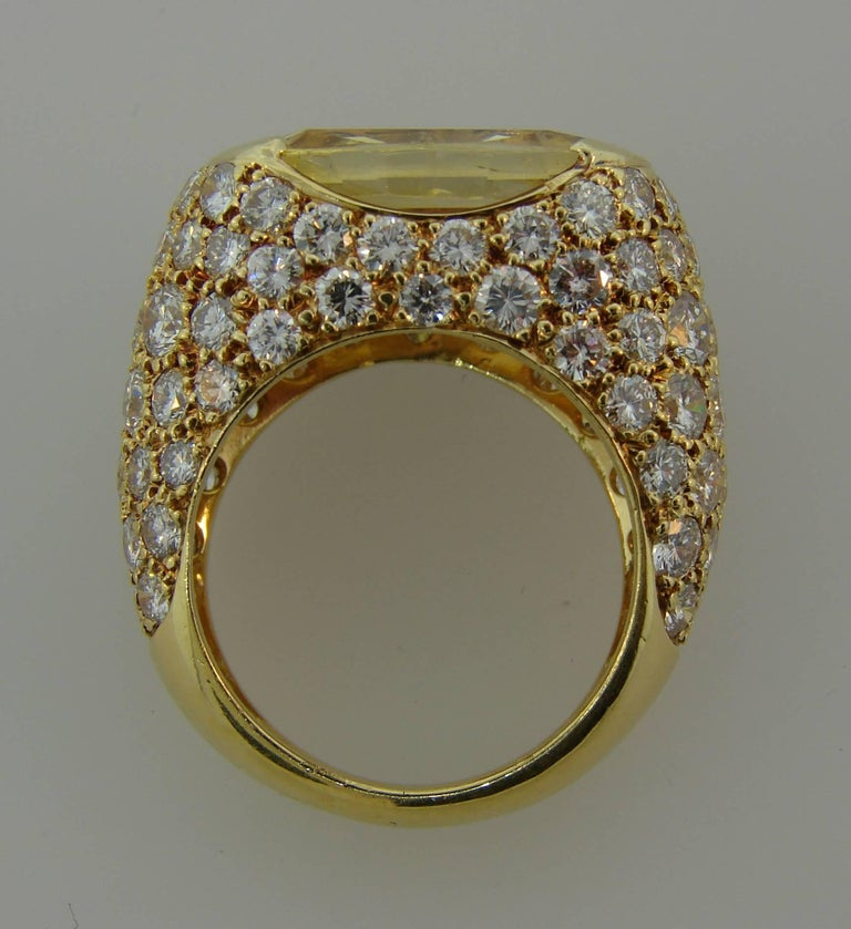 1980s Van Cleef & Arpels Yellow Sapphire Diamond Gold Bombe Ring For Sale 4
