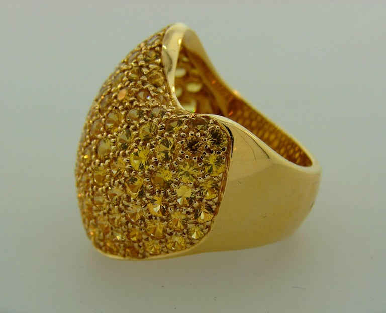 Van Cleef & Arpels Yellow Sapphire Gold Ring In Excellent Condition For Sale In Beverly Hills, CA