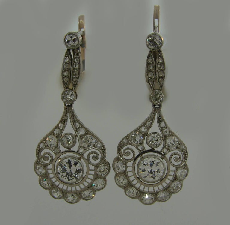 Diamond Platinum Dangle Earrings, Art Deco In Good Condition For Sale In Beverly Hills, CA