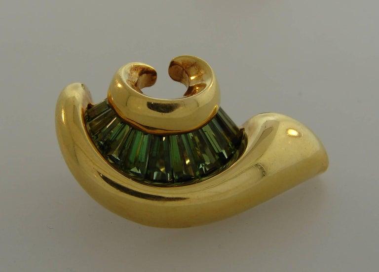1980s Verdura Peridot Yellow Gold Earrings 4