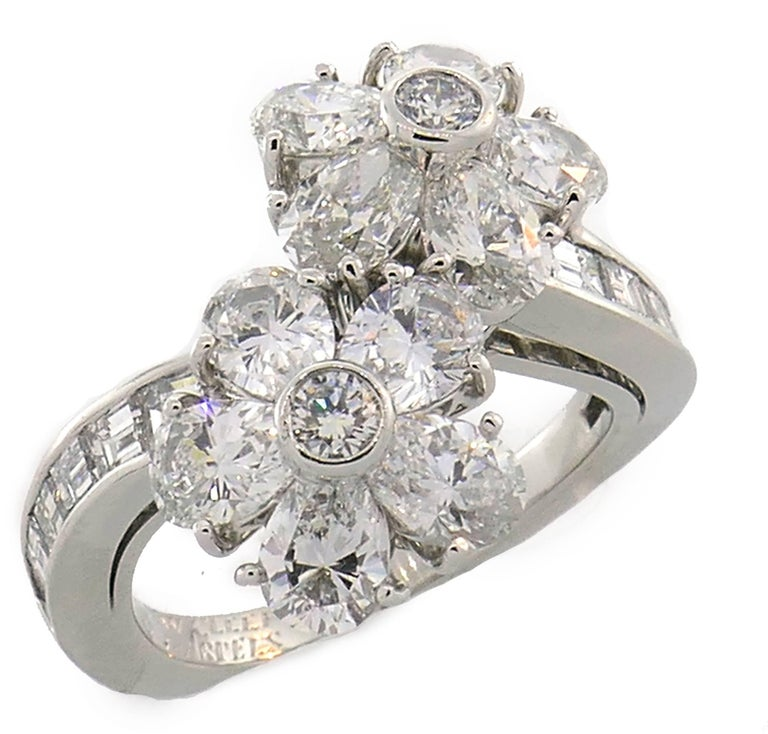 Van Cleef & Arpels Fleurette Diamond Platinum Ring VCA In Excellent Condition For Sale In Beverly Hills, CA