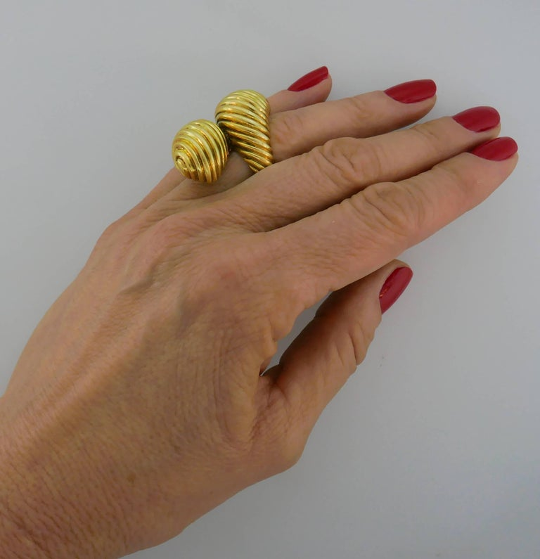 David Webb Yellow Gold Snake Ring In Good Condition For Sale In Beverly Hills, CA