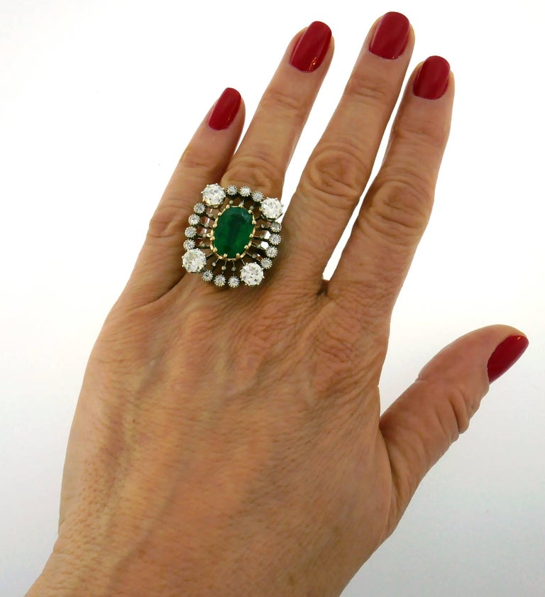 Victorian Emerald Diamond Gold Ring, 1900s In Good Condition For Sale In Beverly Hills, CA