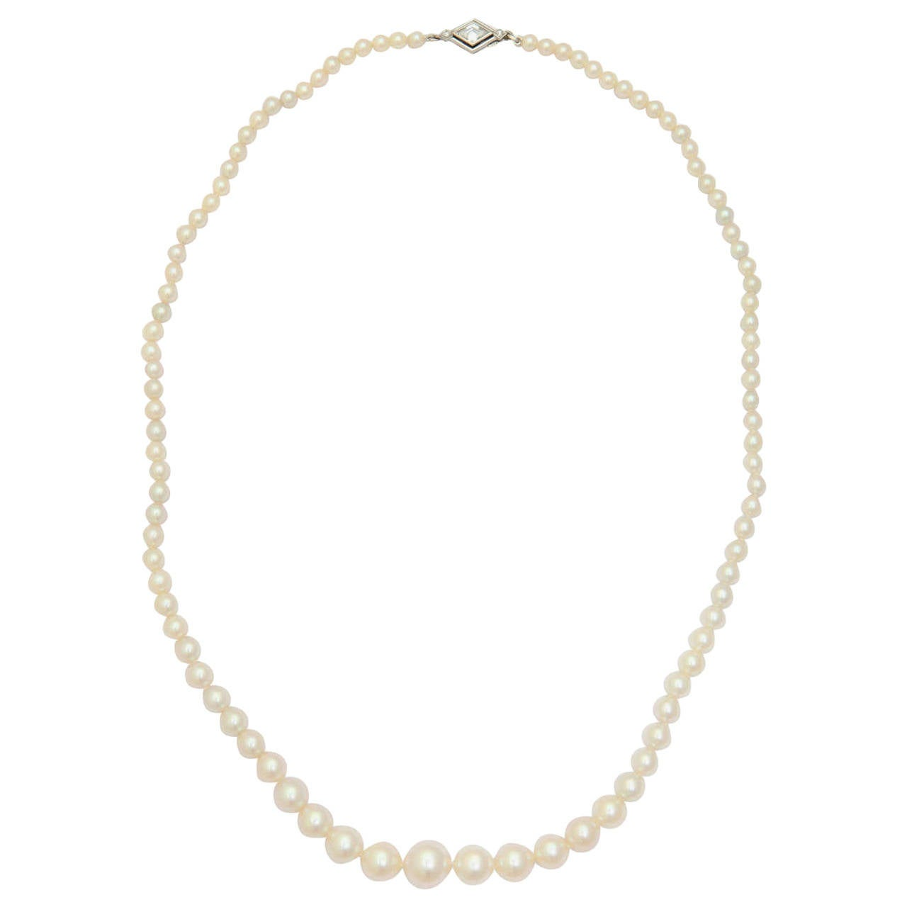 Graduated Cultured Pearl Necklace with Diamond Gold Clasp