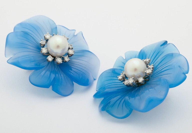 Stunning Blue Onyx Pearl and Diamond Clip Earrings In As new Condition For Sale In TRYON, NC
