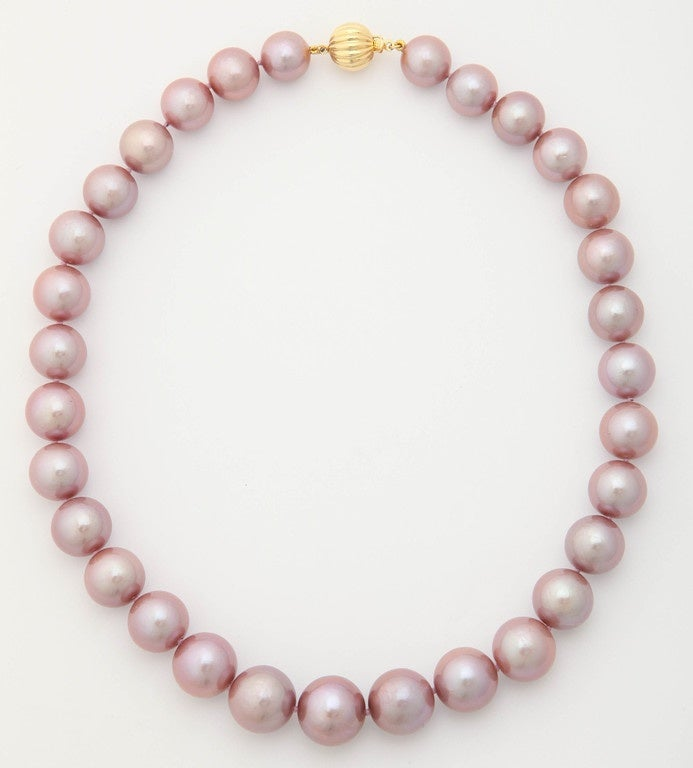 Exquisite Pink Pearl Necklace 2