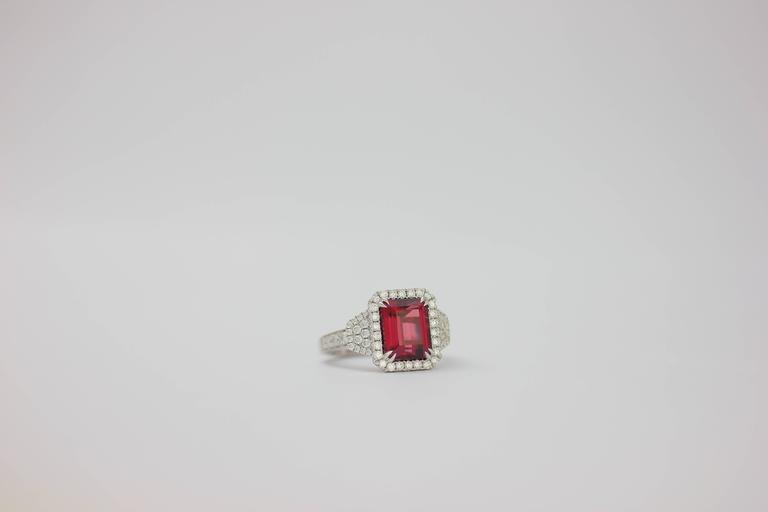 Contemporary Frederic Sage 4.83 Carat Fine Rhodolite Garnet Diamond Gold One of a Kind Ring For Sale