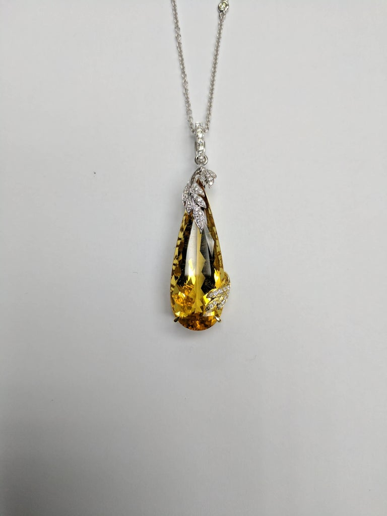 Frederic Sage 20.55 Carat Yellow Beryl Diamond Pendant Necklace In As new Condition For Sale In New York, NY