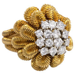 1950s Van Cleef & Arpels Diamond Gold Flower Cocktail Ring
