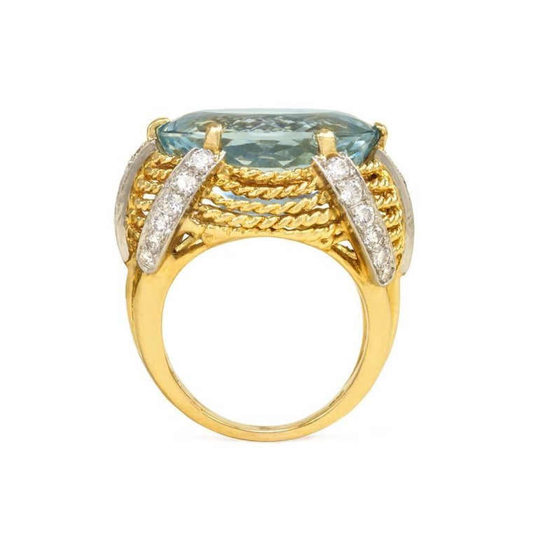 1960s Aquamarine Diamond Accent Gold Cocktail Ring  In Excellent Condition For Sale In New York, NY