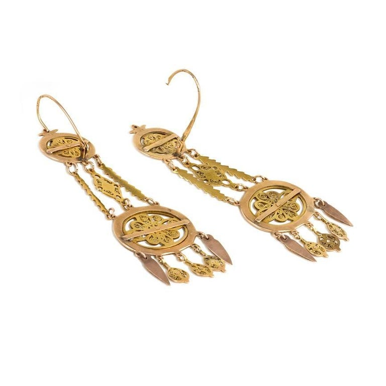 Georgian Early 19th Century Gold Chandelier Earrings with Filigree For Sale