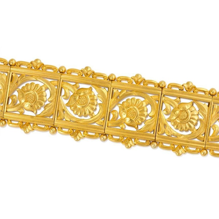 Art Nouveau Gold Panel Link Bracelet In Good Condition For Sale In New York, NY