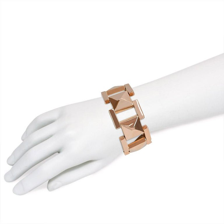 Tiffany & Co. 1940s Rose Gold Plaque Link Bracelet In Good Condition For Sale In New York, NY