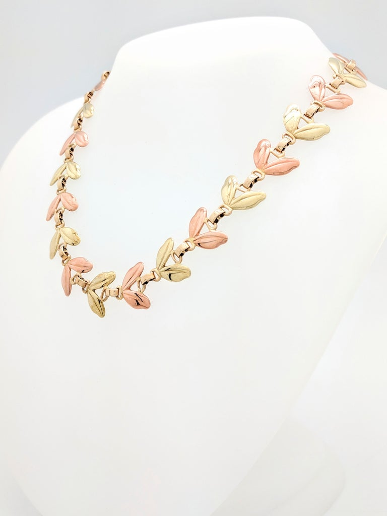 1950s Tiffany & Co. Pink and Yellow Gold Leaf Necklace For Sale 1