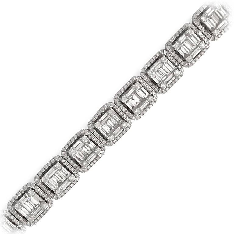 Modern 8 Carat Baguette and Brilliant-Cut Diamonds White Gold Bracelet For Sale