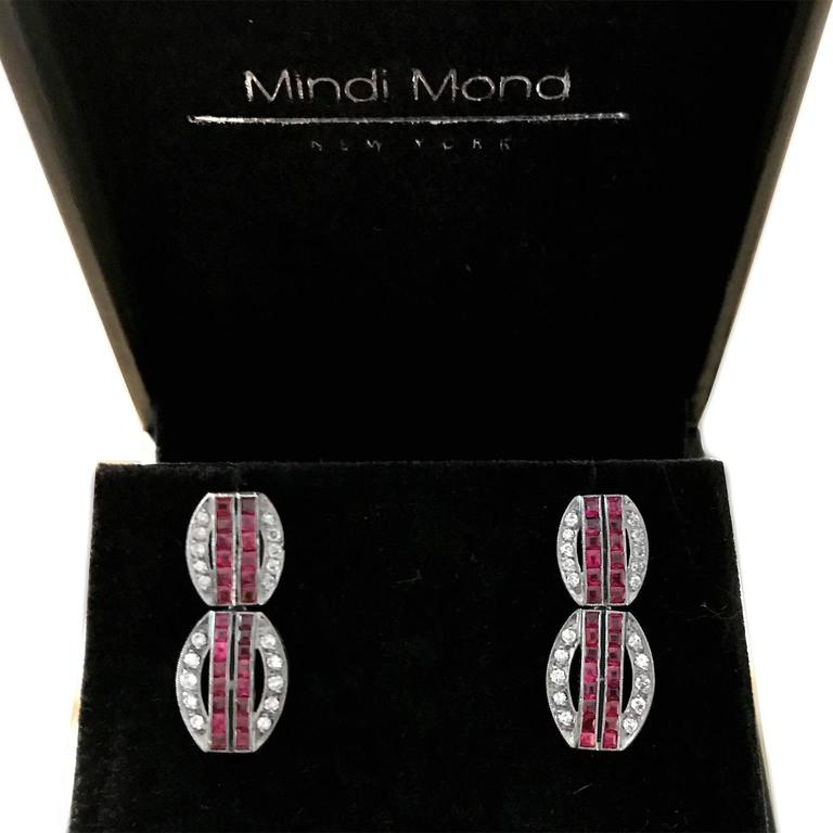 Art Deco Ruby Diamond Platinum Dangling Earrings In Good Condition For Sale In New York, NY