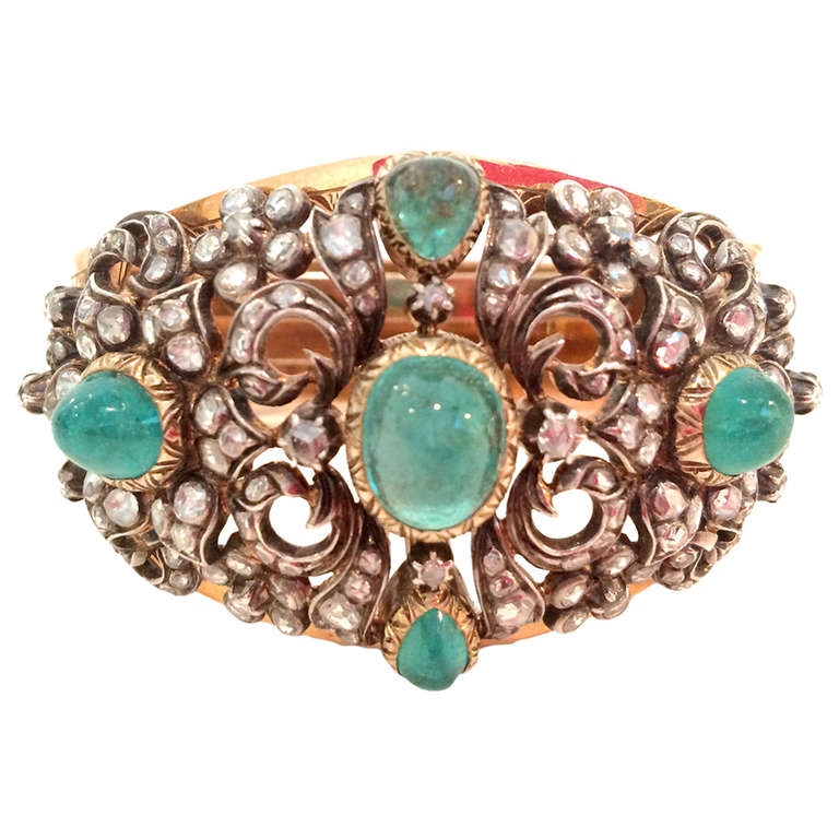 Victorian 13.5 Carat Cabochon Emerald Diamond Bracelet