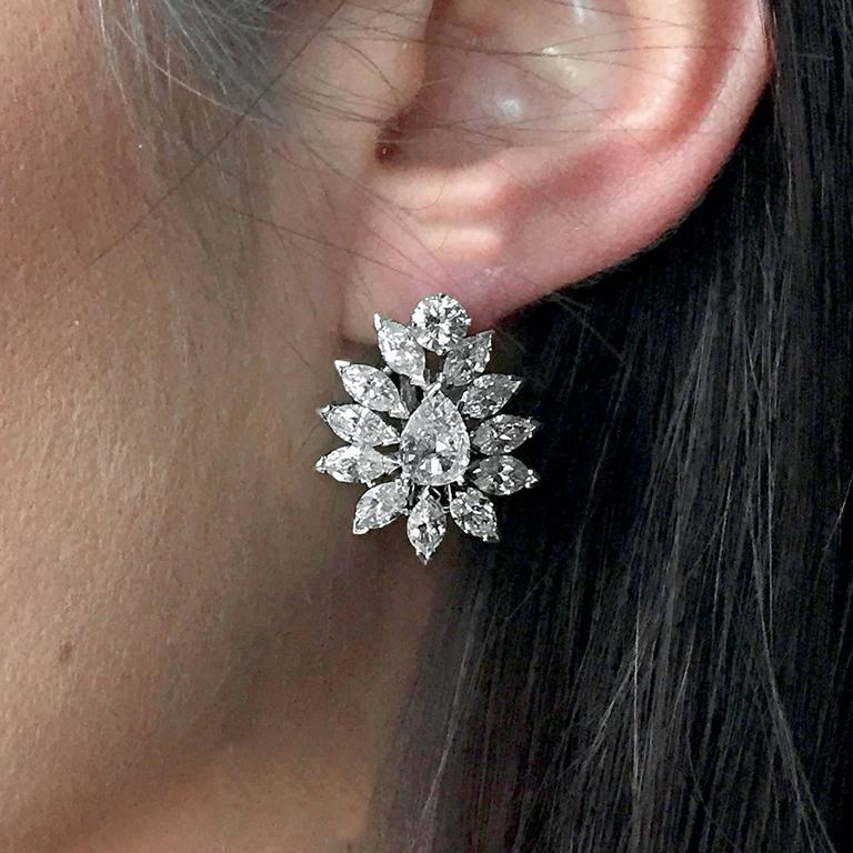 Exquisite Diamond 10 Carat Starburst Drop Earrings 3