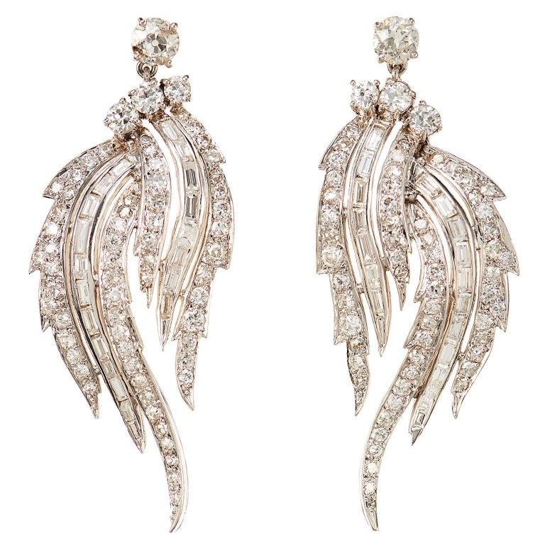 Divine 1950s 7 Carat Diamond Platinum Feathered Chandelier Earrings 1