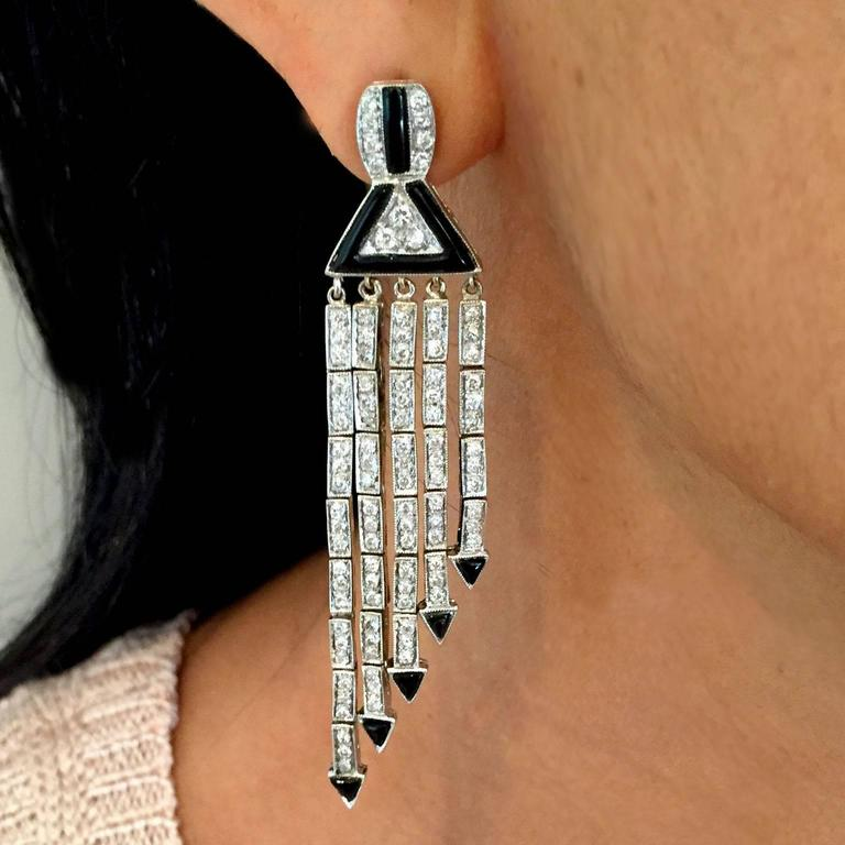 Art Deco 3.53 Carat Diamond Onyx Gold Chandelier Earrings For Sale 2