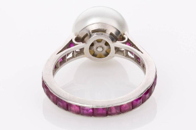 Australian South Sea Pearl and Ruby Platinum Ring In Good Condition For Sale In Brisbane, AU