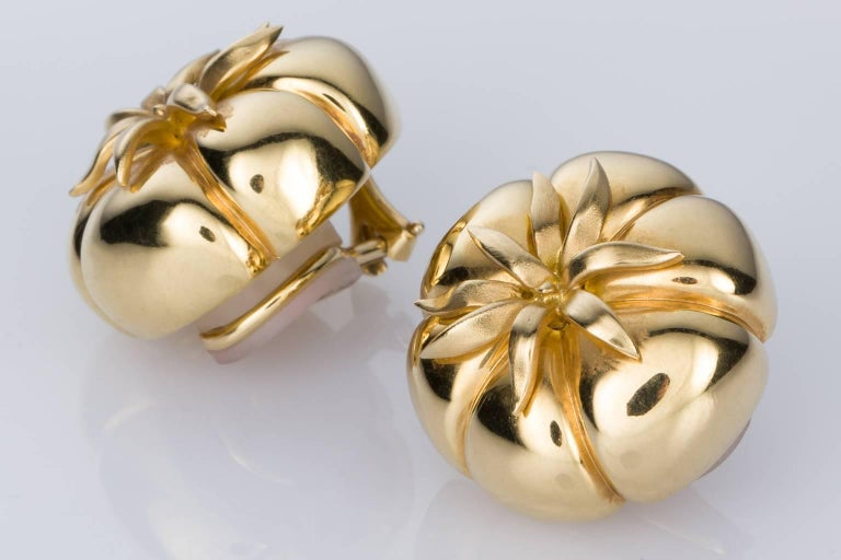 Do You Want Your Jewellery To Be Noticed Then These Stunning 18k Judith Leiber Earrings