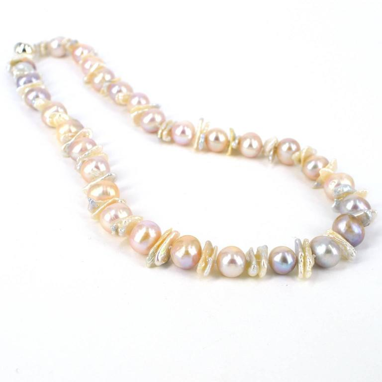 Contemporary Decadent Jewels Natural Pink Mauve Round & Biwa Pearl Silver Necklace For Sale