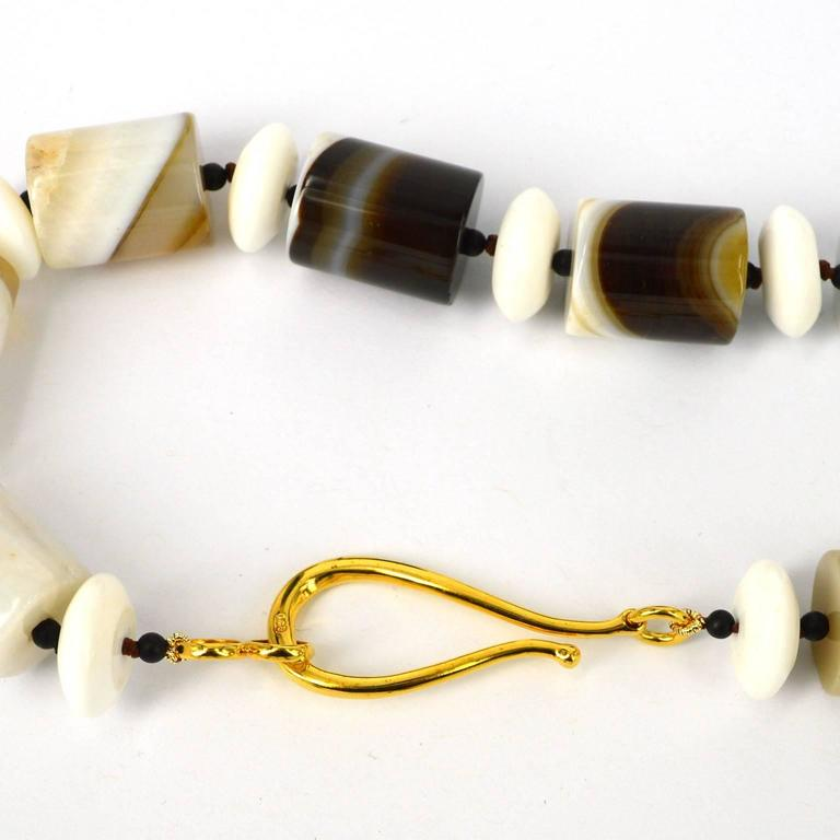 Rare Banded Agate Shell Jade Gold Pendant Necklace For Sale 1