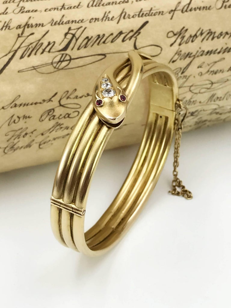 Late Victorian Gold and Diamond Snake Hinged Bangle For Sale 1
