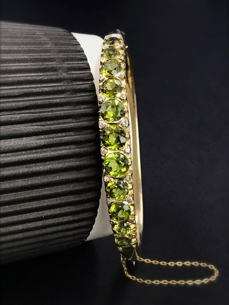 Gold Victorian Peridot and Diamond Bangle Bracelet In Excellent Condition For Sale In Birmingham, GB