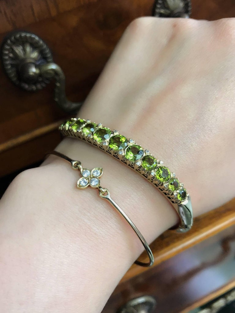 Gold Victorian Peridot and Diamond Bangle Bracelet For Sale 3