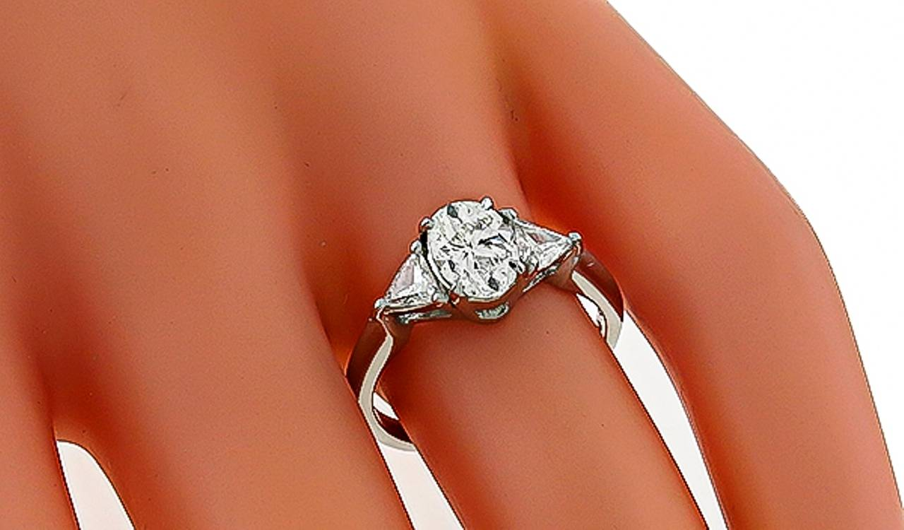 1 01 carat oval cut diamond engagement ring for sale at 1stdibs