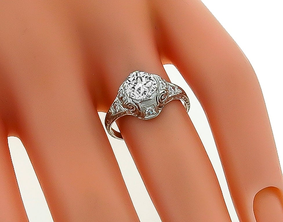 Edwardian 1 Carat Diamond Platinum Engagement Ring In New Condition For Sale In New York, NY