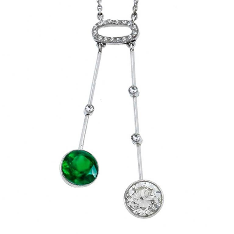 Women's Enticing Edwardian Emerald Diamond Drop Necklace For Sale