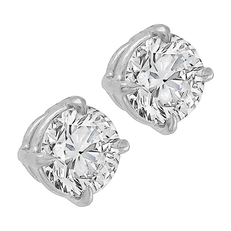 1.43 Carat Diamond Gold Stud Earrings