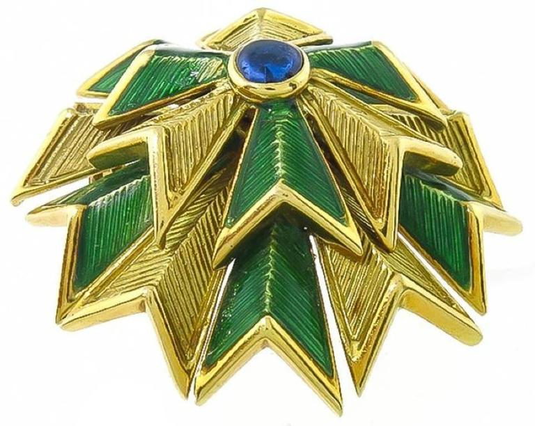 Tiffany & Co. Cabochon  Sapphire Enamel Gold Pin In Excellent Condition For Sale In New York, NY