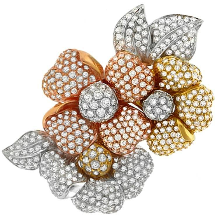 Stunning 15 Carat Diamond Tri Color Gold Floral Pin Brooch In New Condition For Sale In New York, NY