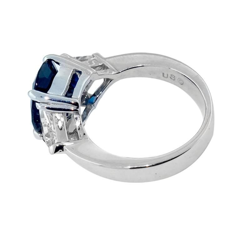 Oval Cut Natural 4.12 Carat Ceylon Sapphire Diamond Gold Engagement Ring For Sale