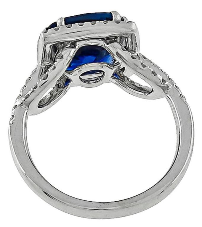 Natural 5.16 Carat Cushion Cut Sapphire Diamond Gold Ring In New Condition For Sale In New York, NY