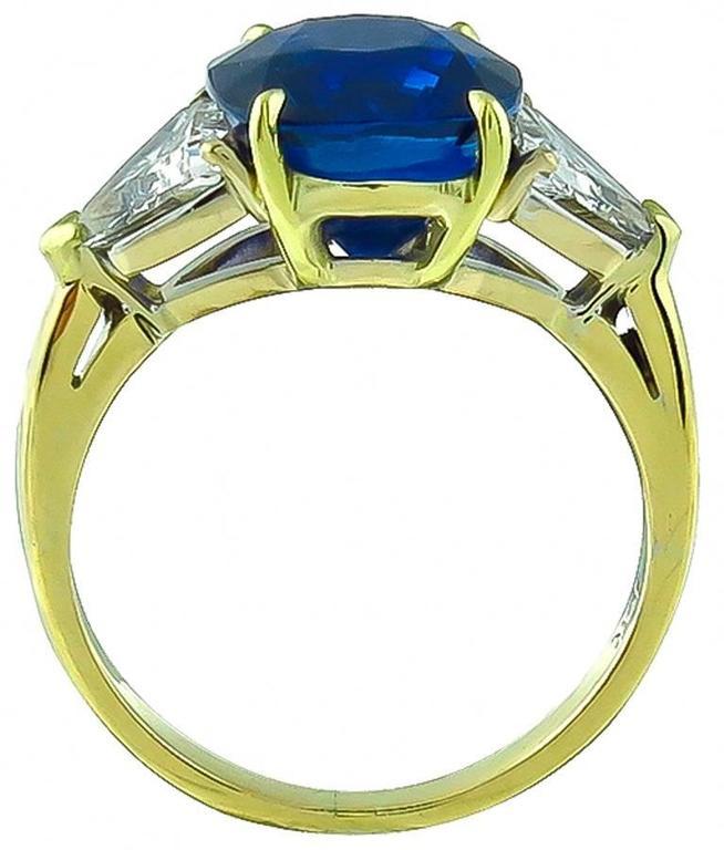 Women's or Men's Stunning 5.28 Carat Cushion Cut Sapphire Diamond Gold Engagement Ring For Sale