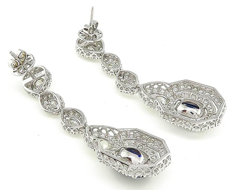 Amazing Sapphire Diamond Gold Drop Earrings In Excellent Condition For Sale In New York, NY