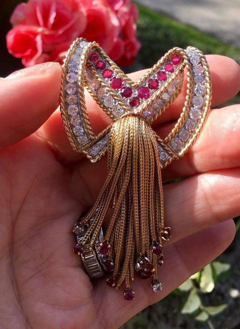 French 18 Karat Gold 3.90 Carat Ruby VS Diamond Necklace Pendant In Excellent Condition For Sale In Shaker Heights, OH