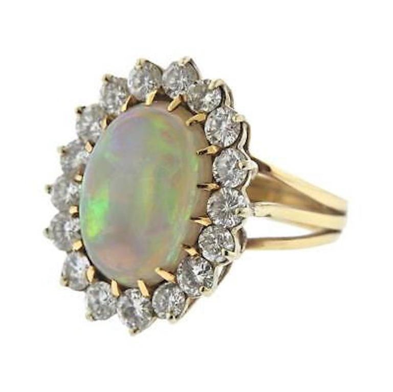 Women's Impressive Large Opal 3.00 Carat VS Diamond Cocktail Ring For Sale